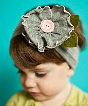 Adorable flower headband for toddlers.