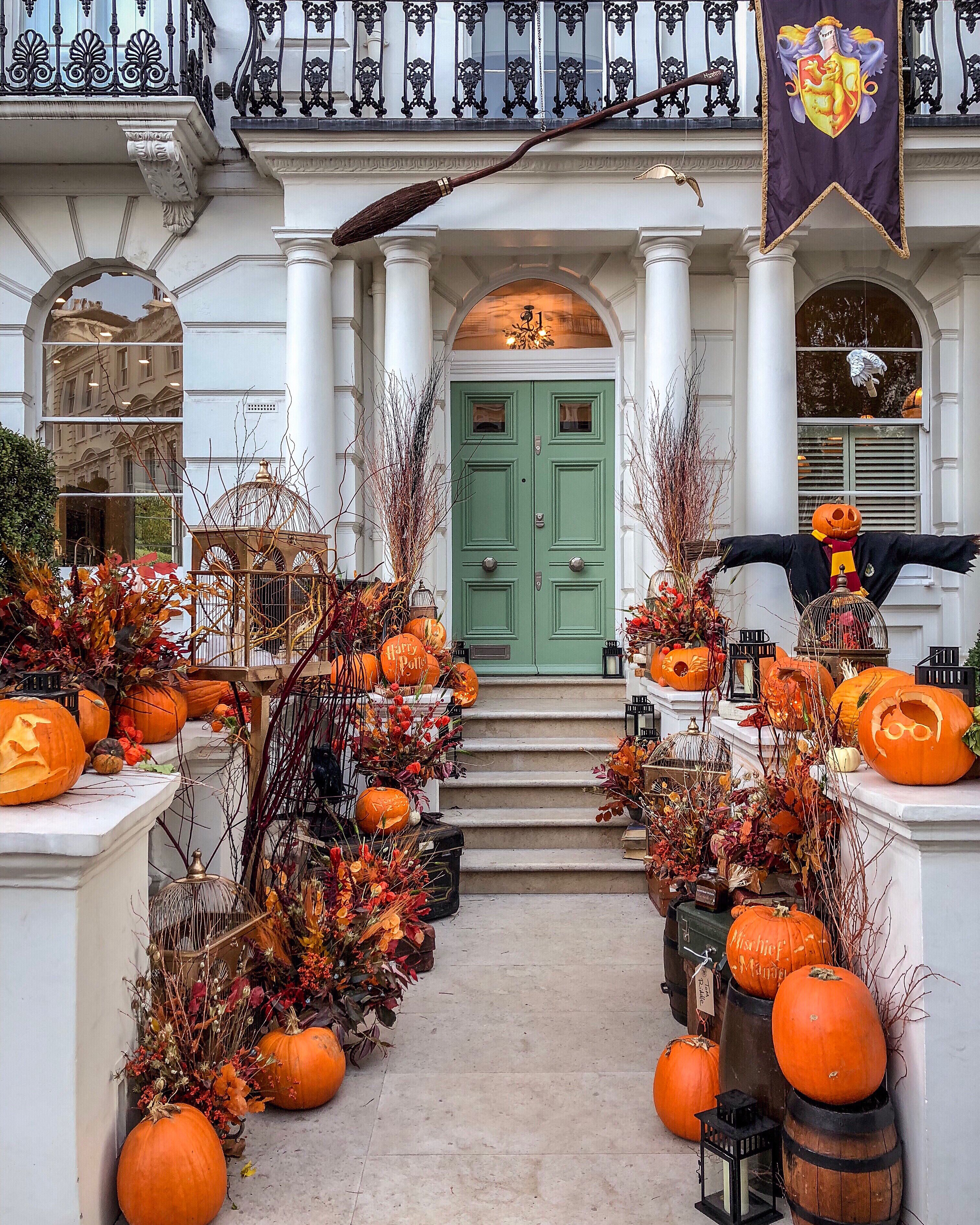 50 Diy Halloween Decorations That Are So Easy That It Scares