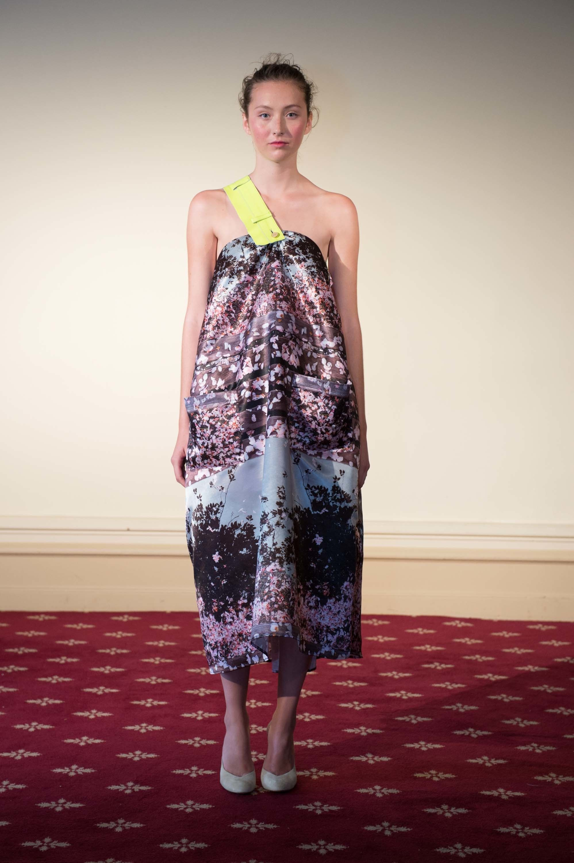 See the complete Natasha Zinko Spring 2017 Ready-to-Wear collection.
