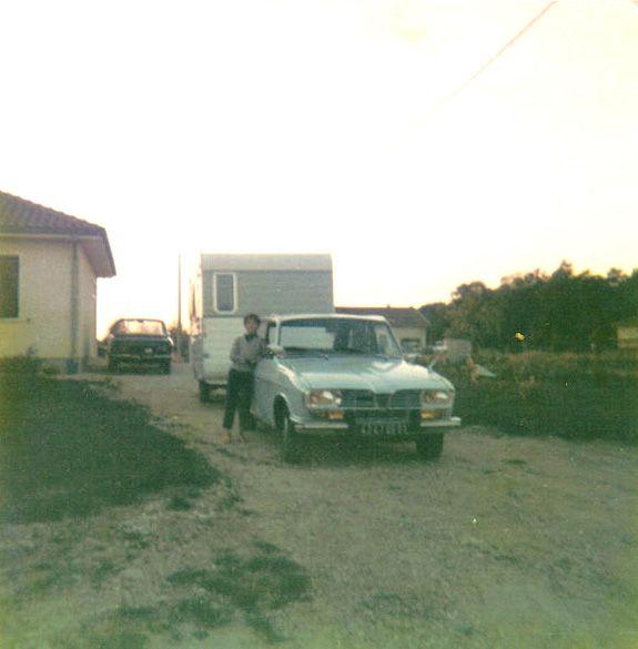 Renault 16 avec caravane Renault 16 trailer