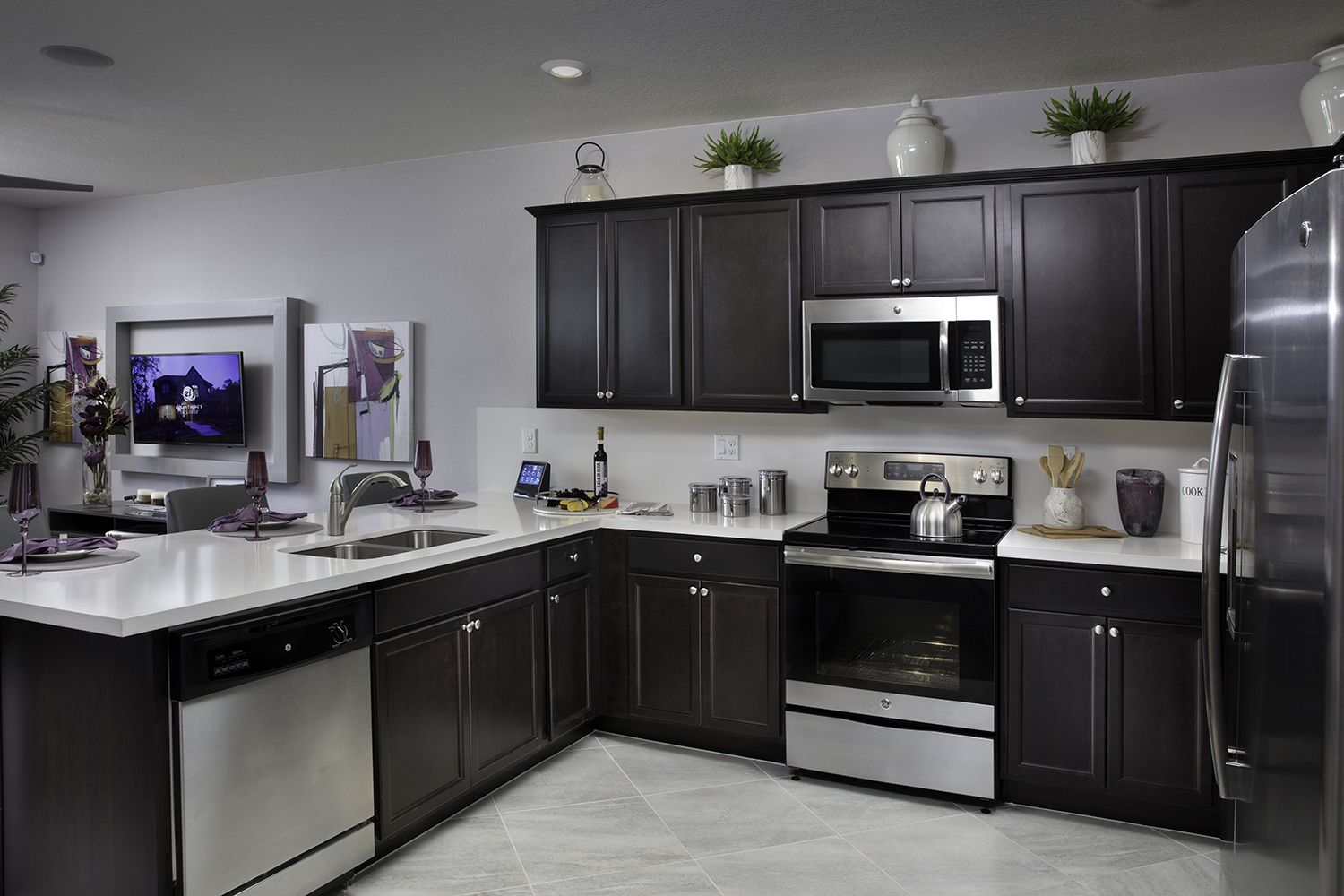 Would Dark Kitchen Cabinets Be A Delight Instead Of Ones That Are White Aquabella In Hialeah F Dark Kitchen Cabinets Kitchen Cabinets Kitchen Utensils Store