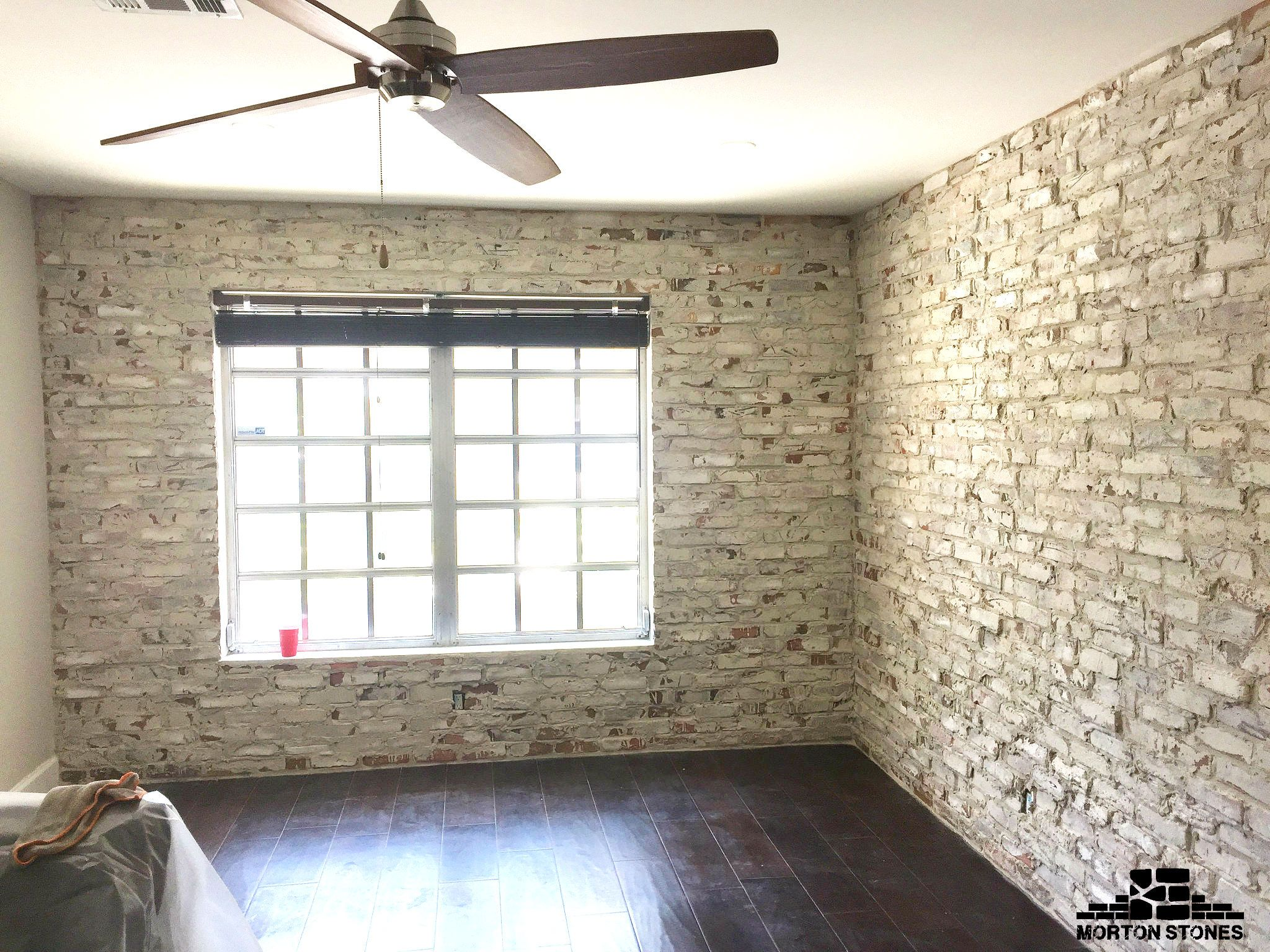 These Whitewashed Brick Walls Are The Perfect Addition To The Space Mortonstones Brick Tiles Rustic Thinbrick H Brick Veneer White Wash Brick Thin Brick
