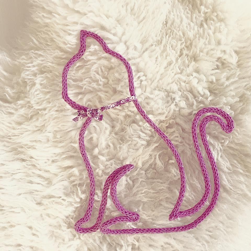 Chat en tricotin - Faire une augmentation en tricot ...