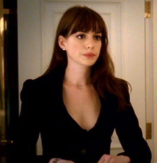 Frangetta Di Anne Hathaway, Il Trucco Di Anne Hathaway, Diavolo Veste  Prada, Acconciature