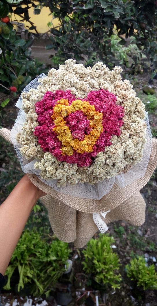 Bunga Edelweis Bunga Abadi Tipe Buket Bunga Edelweis Kustom Inisial Nama Eksklusif Cocok Sebagai Kado Unik Untuk Pasangan Atau Sahaba Buket Bunga Bunga Buket