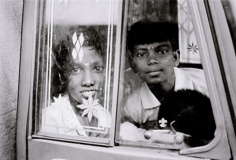 Street Photography in India - 50 Stunning Black & White Photos - 121Clicks.com
