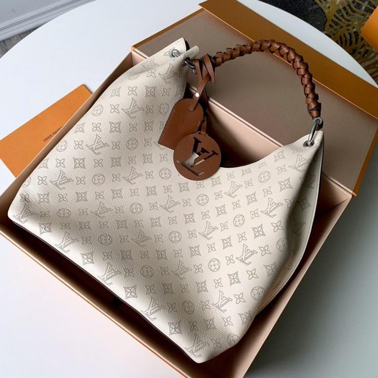 2020 Time Limited New Louis Vuitton Carmel Hobo Bag 35 40
