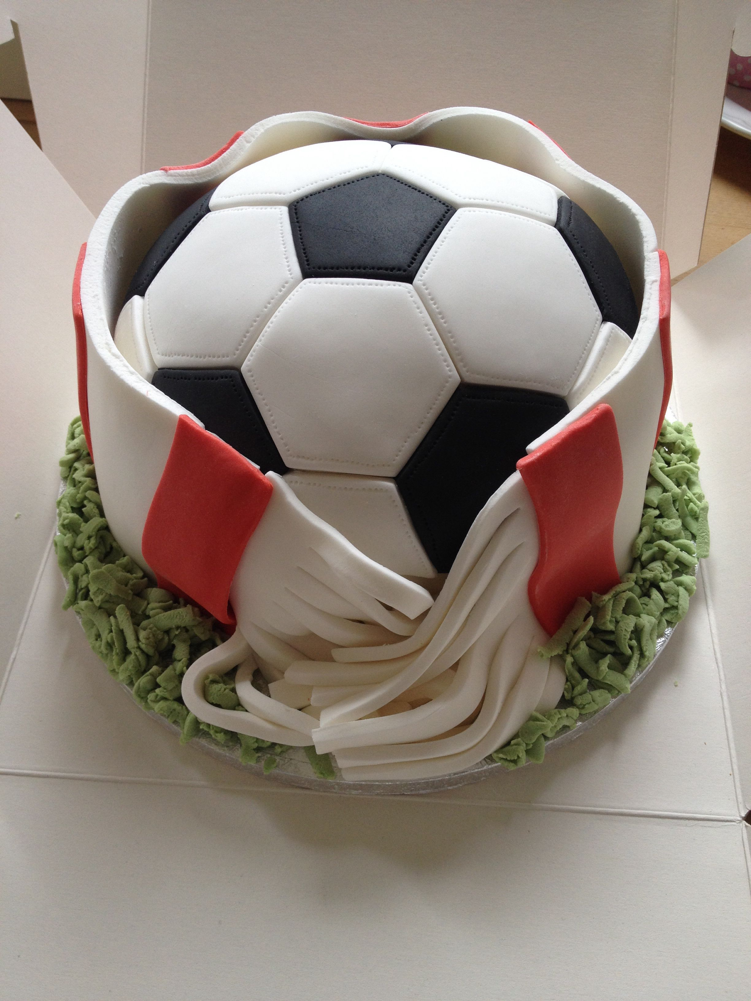 Football Cake  www.sarahruth.co.uk