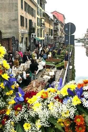 festa dei fiori sul naviglio