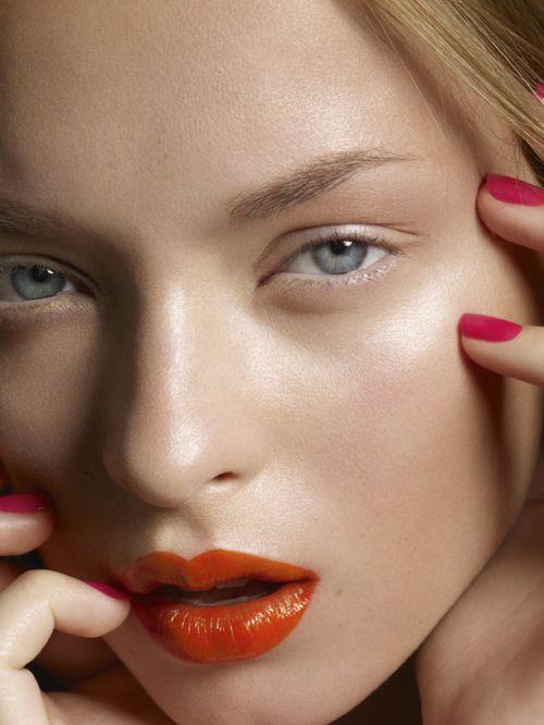 Orange Lips and Hot Pink Nails | Summer #Makeup & #Mani
