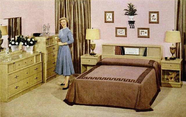 A Fairly Spacious Wood Furniture Filled Pink Bedroom From 1954 Vintage Bedroom Bed Home Decor 1950s Retro Bedrooms Bedroom Vintage Retro Home
