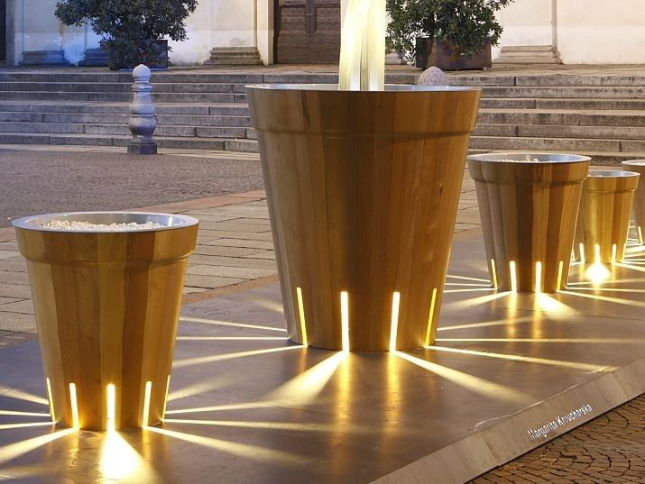 D D F Curvati Liti Wooden Flower Pot With Light Design By Margarita Kroucharska Modern Planters Outdoor Wooden Flowers Outdoor Planters