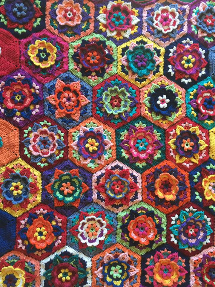crocheted afghan by Huib Peterson using Frida\'s Flowers pattern ...