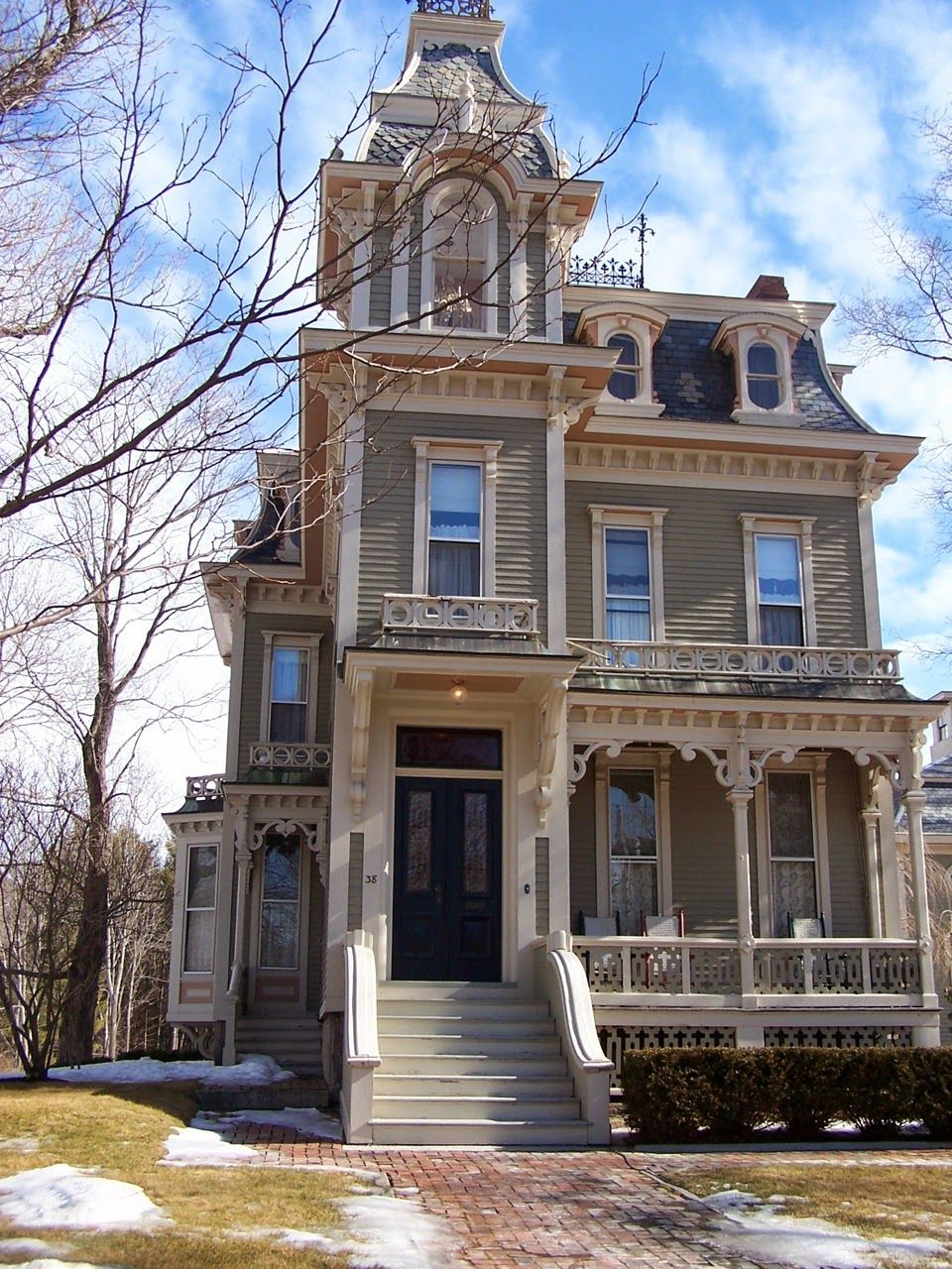 Here S Another Victorian Era Style Second Empire An American Interpretation Of French Imperial Architecture D House Styles Architecture Victorian Homes