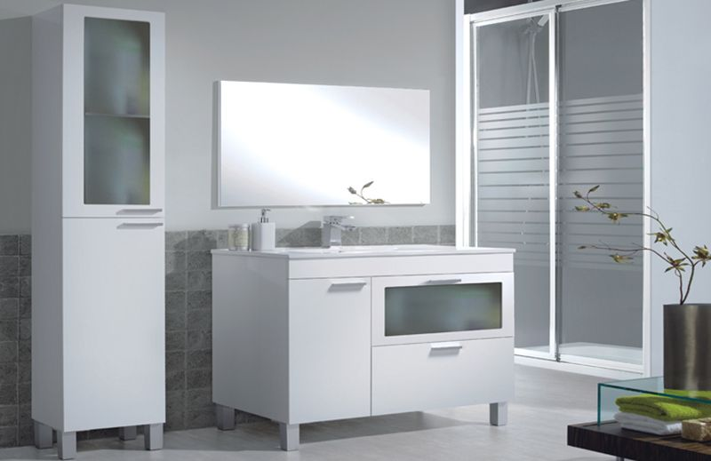Armario y estantería para baños grandes con más cajones y puertas de ...