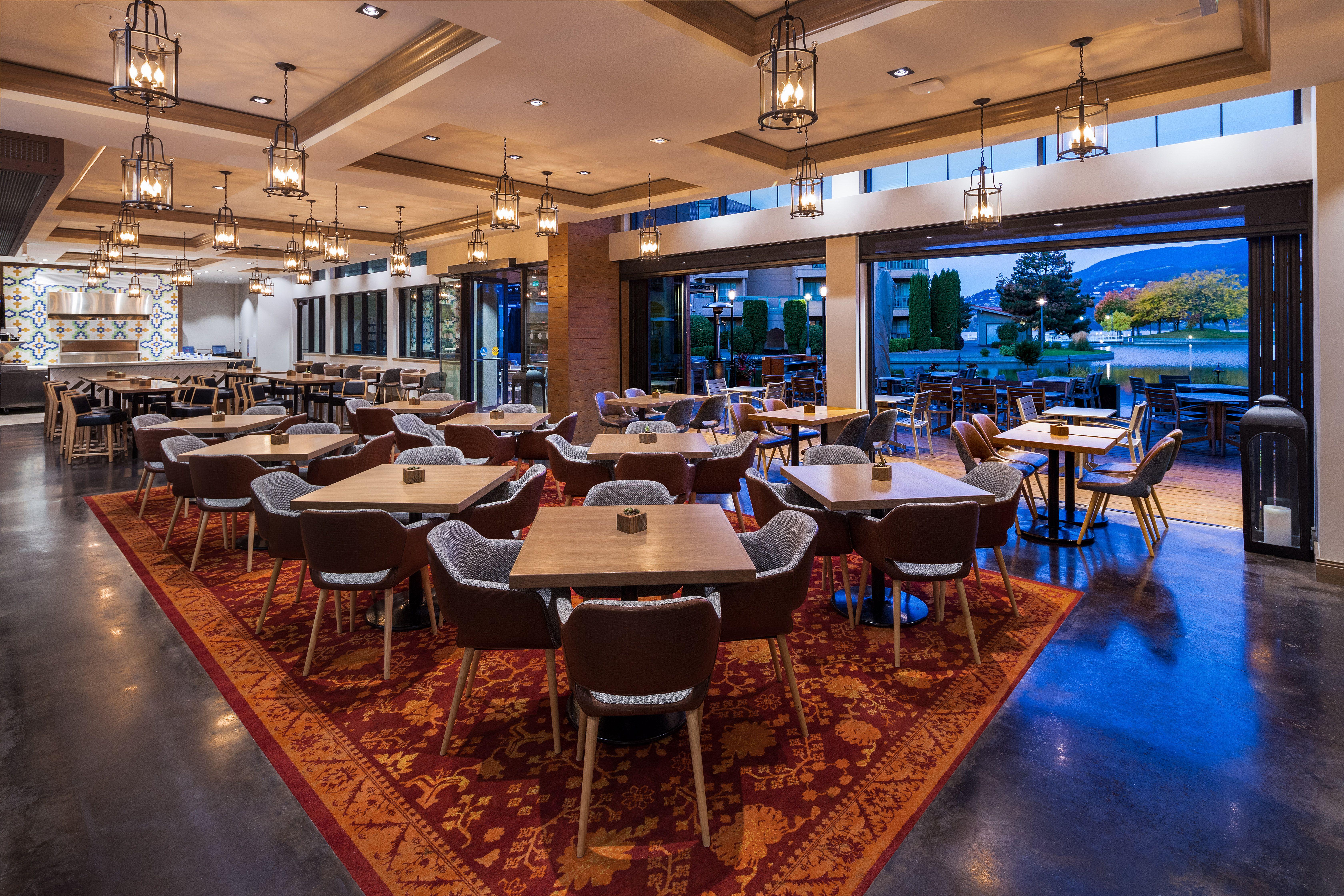 Delta Hotels By Marriott Grand Okanagan Resort Oak Cru Social Kitchen Wine Bar Kitchen Bar Design Kitchen Concepts Hotel