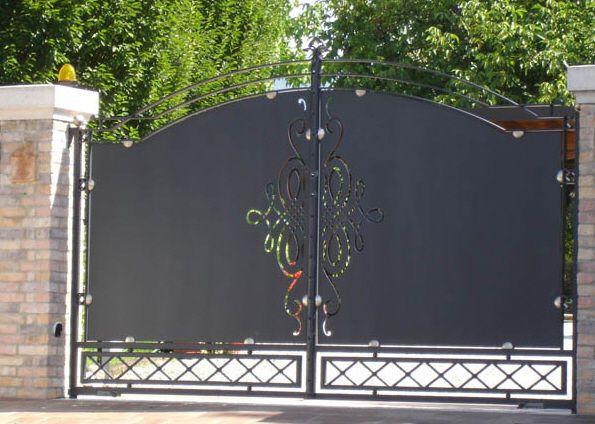 Portones de hierro forjado en pinterest decoraci n de for Disenos de portones modernos