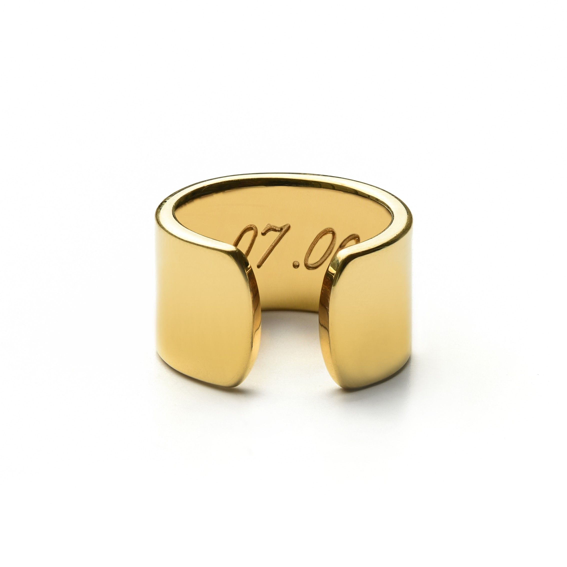 The horizon ring is a thick cuffed ring it is a bold and sleek