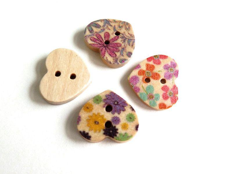 8 MIX  Bottoni di legno CUORE di Siria su DaWanda.com