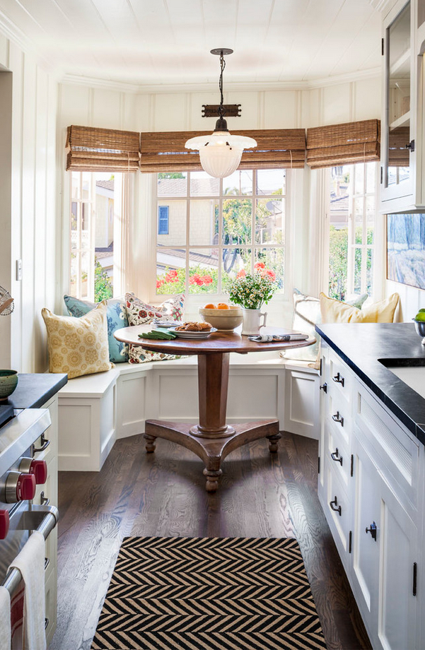 7 beachy decorating ideas this california cottage pulls off flawlessly small cottage kitchenkitchen - Small Kitchen Nook Ideas