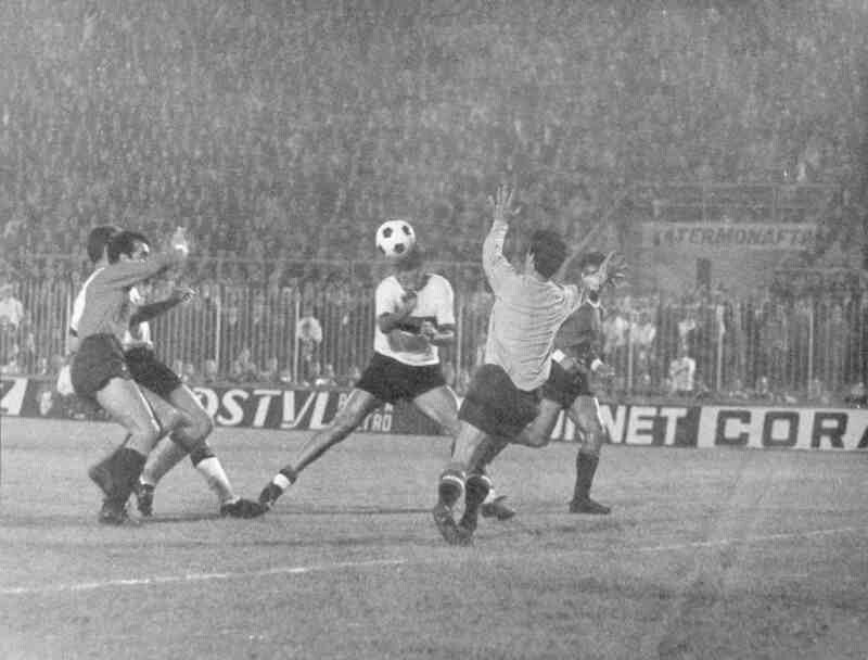 Inter Milan 2 Independiente 0 in Sept 1964 at the San Siro. Even though  Inter won agg. a play-off was played in the Intercontinental Cup. d2a9b4d142a4c