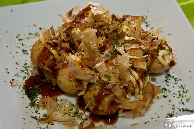 #RECETAS_en_ESPAÑOL / Receta de takoyaki » Japonismo  http://japonismo.com/blog/receta-de-takoyaki