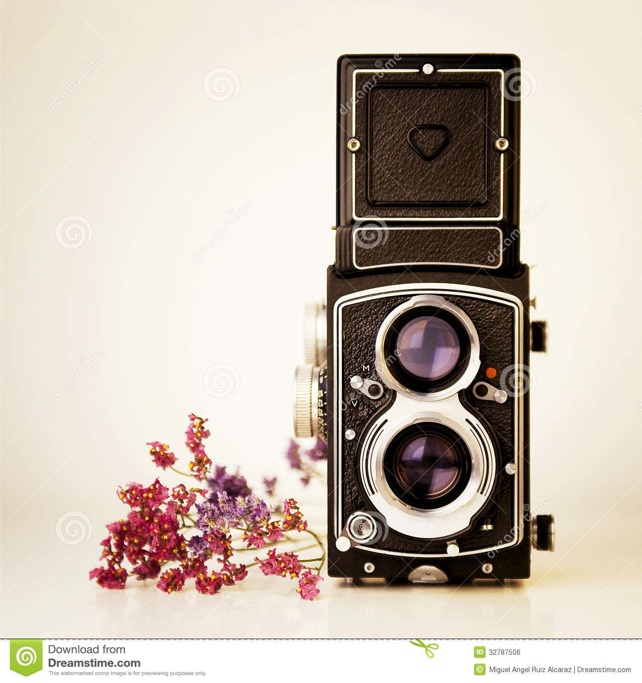 Vintage Camera Tlr - Download From Over 30 Million High Quality Stock Photos, Images, Vectors. Sign up for FREE today. Image: 32787506