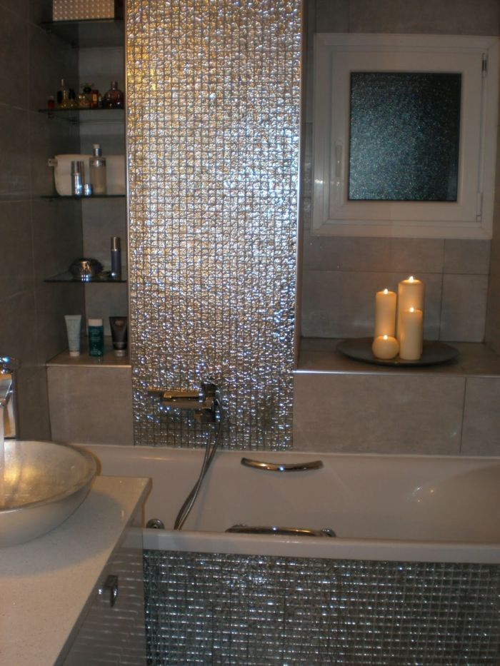 Elegante Glanzende Mosaik Fliesen Furs Bad Romantische Kerzen Beautiful Tile Bathroom Bathroom Decor Washroom Design