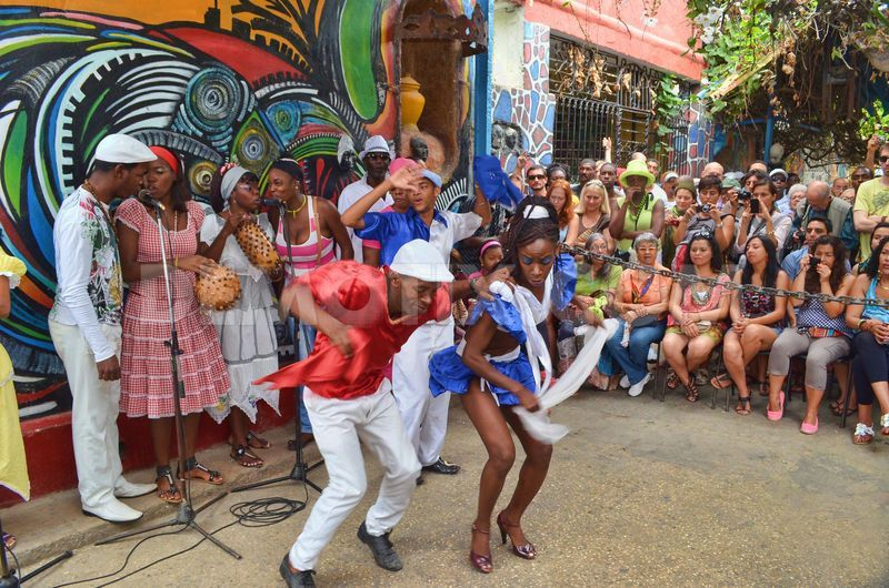 Afro Cuban art and dance at 'Callejon de Hamel in Havana ...