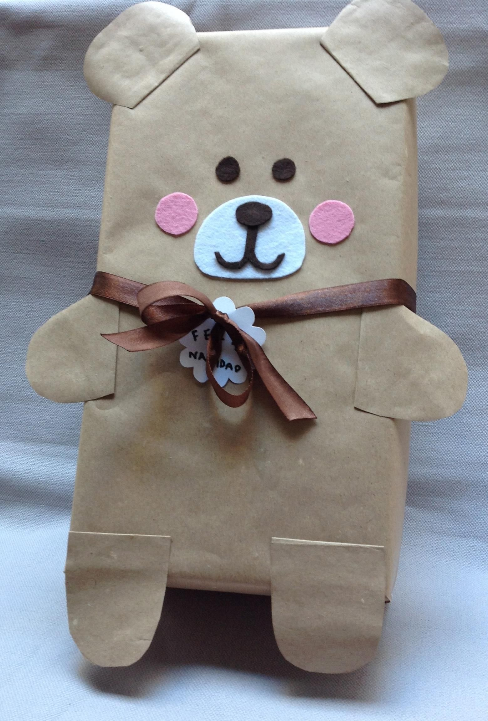 Cute & easy bear gift wrapping idea