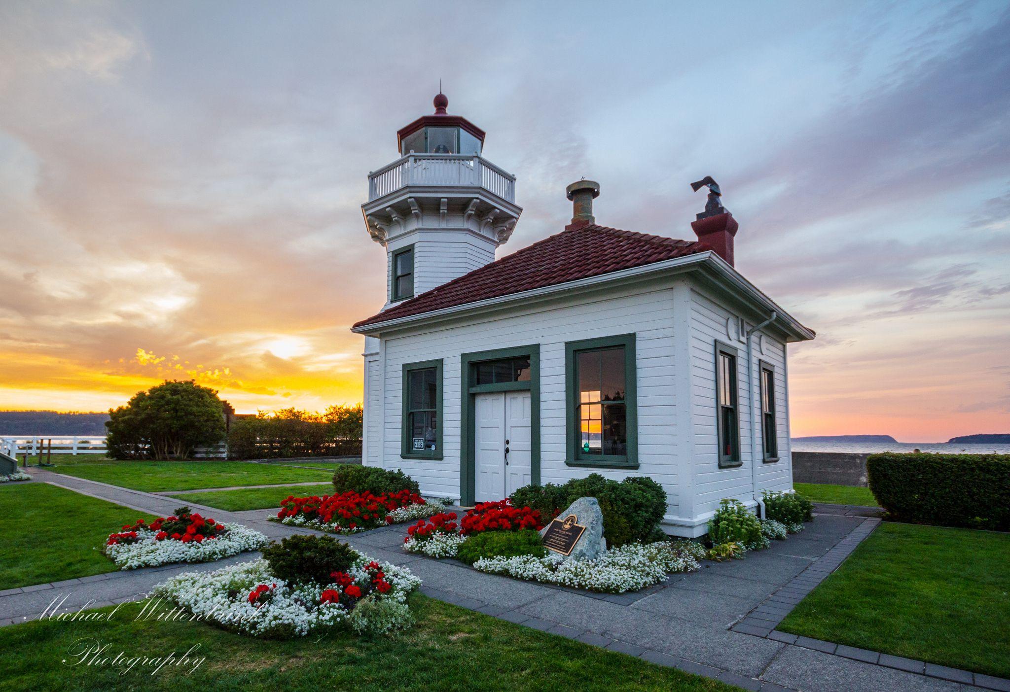 mukilteo lighthouse sunset washington lighthouses us canada