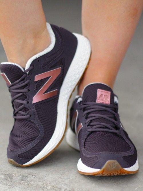 Treningsklær, fritidsklær og sko for jenter på nett! New Balance…