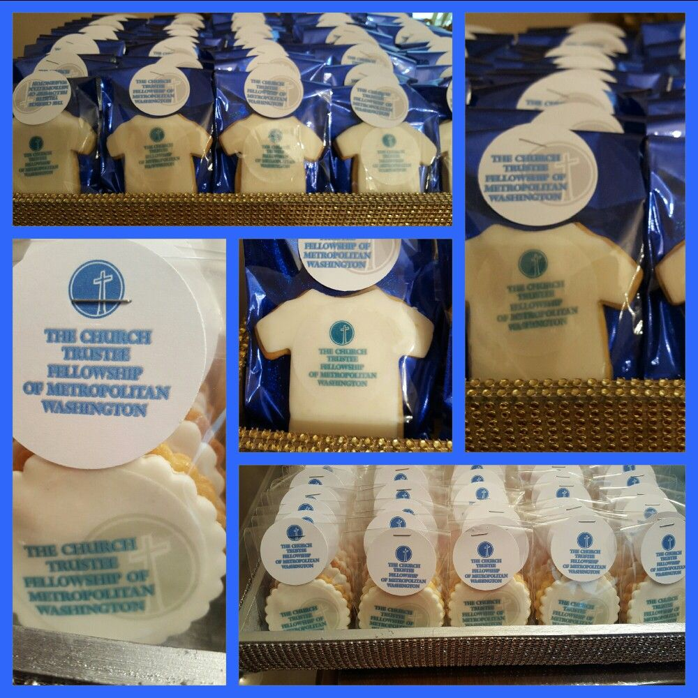 Tee shirt cookie favors.  Brown Sugar Events.
