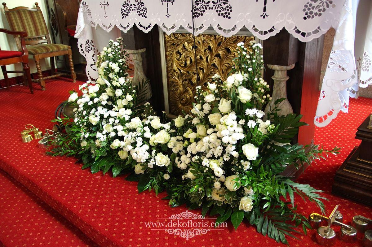 Biala Dekoracja Kosciola Bialy Dywan I Kwiaty Slub Marcinkowice Altar Arrangement Christmas Wreaths Holiday Decor