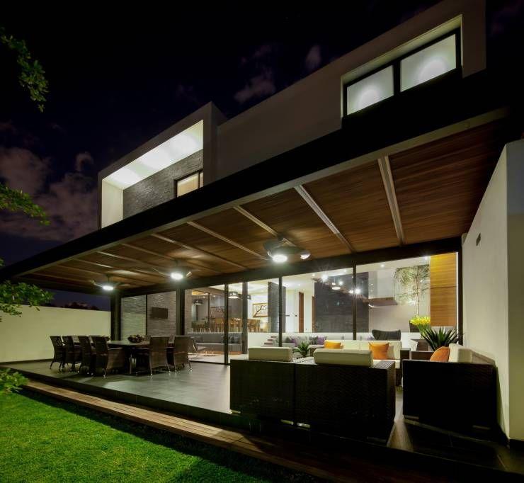 Esta casa en guadalajara es fant stica balcones for Techos de terrazas modernas