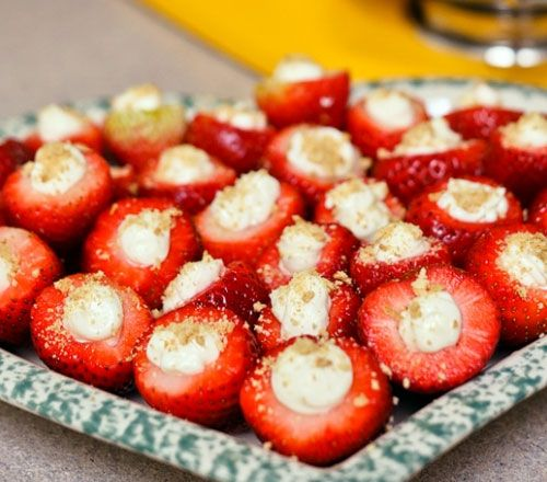 easy homemade holiday appetizers cheesecake filled strawberries click pic for 24 christmas finger food ideas