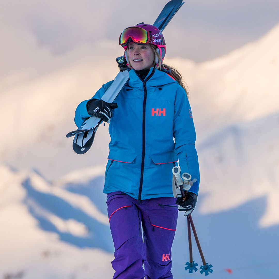 Helly Hansen Women S Powderqueen Jacket In Winter Aqua Ski Jacket Women Skiing Outfit Ski Women