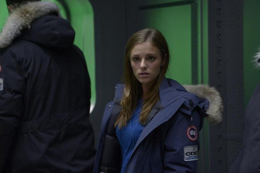 Jordan Hayes as Dr. Sarah Jordan in HELIX ep. 1.01 Pilot.