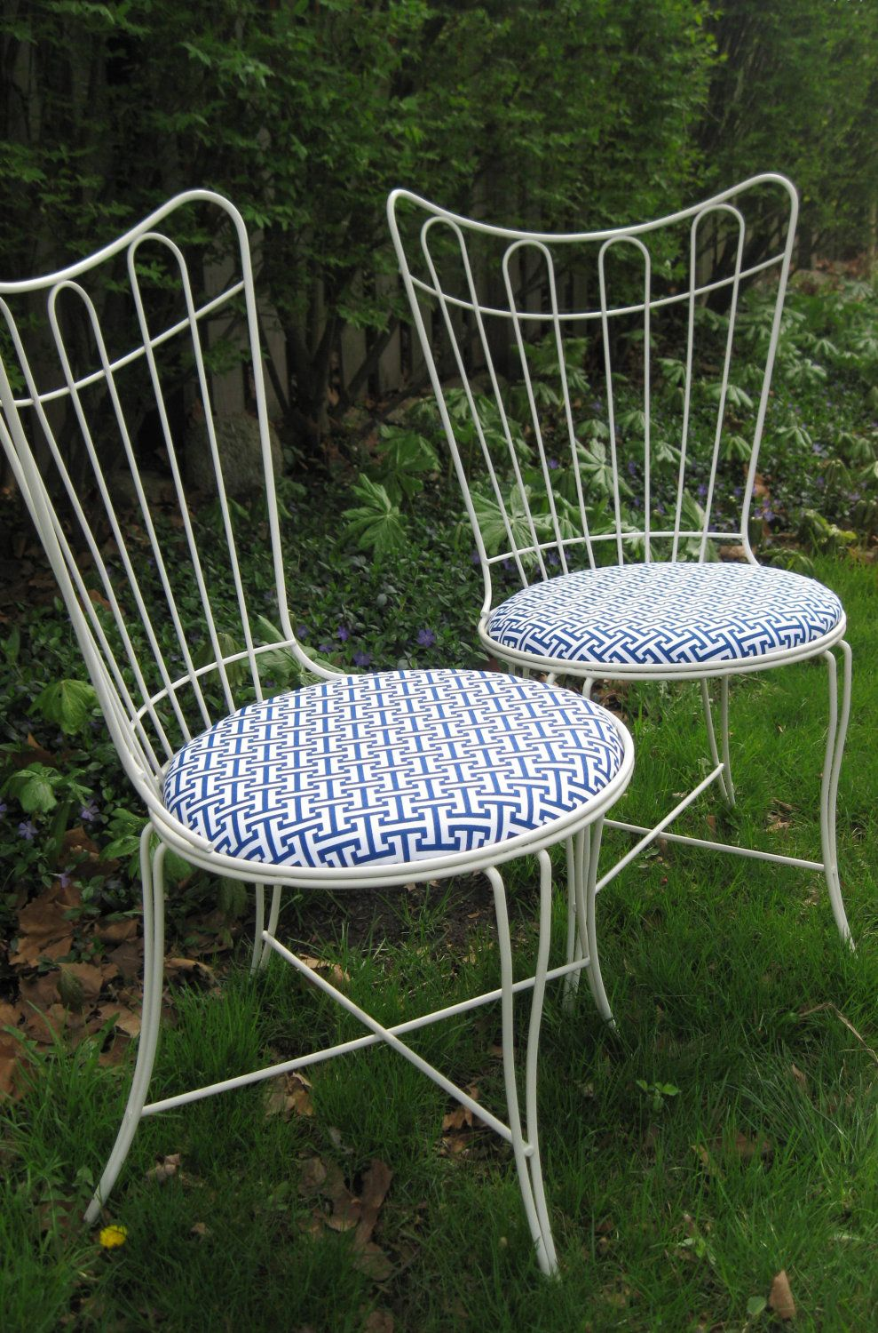 I Just Bought Four Of These Exact Chairs At A Thrift Shop For $35 Each    SCORE! Vintage Metal Cafe Chairs With Upholstered Seats SHIPPING INCLUDED.