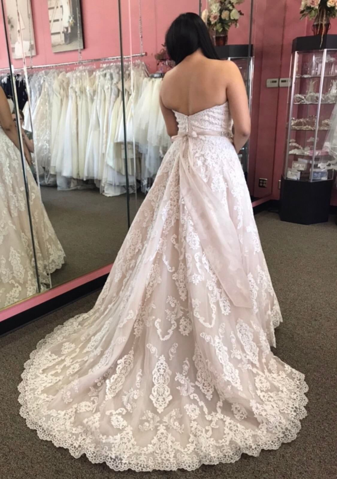 Less Than Three Months Until I Finally Get The Wear My Dream Dress Any Jewelry Ideas For A Strapless Sweethea Dream Dress Wedding Dresses Lace Wedding Dresses