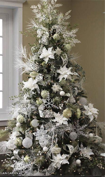 34 Beautiful Christmas Tree Decorating Ideas World Inside Pictures White Christmas Tree Decorations Silver Christmas Tree Creative Christmas Trees
