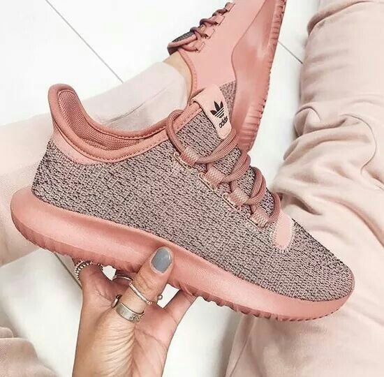 new product 850a6 5758a adidas tubular rose  aikochaussure  chaussurefemme  basket  basketfemme  Chaussure Chic, Chaussure A