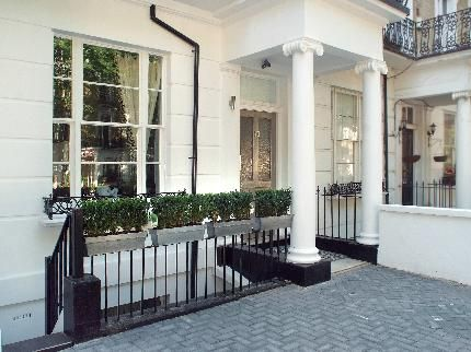 Outside View of Serviced apartments in bayswater, By ...