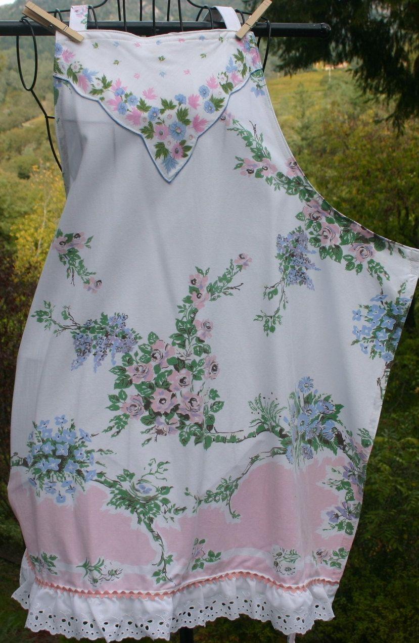 apron made from vintage tablecloth n hen kleidung pinterest n hen tuniken und sch rzen. Black Bedroom Furniture Sets. Home Design Ideas