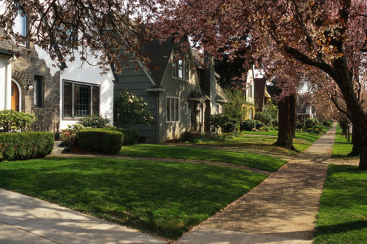 Neighborhood Rentals In Cleveland Ohio And Cleveland The Neighbourhood Landscape Curbing Curb Appeal
