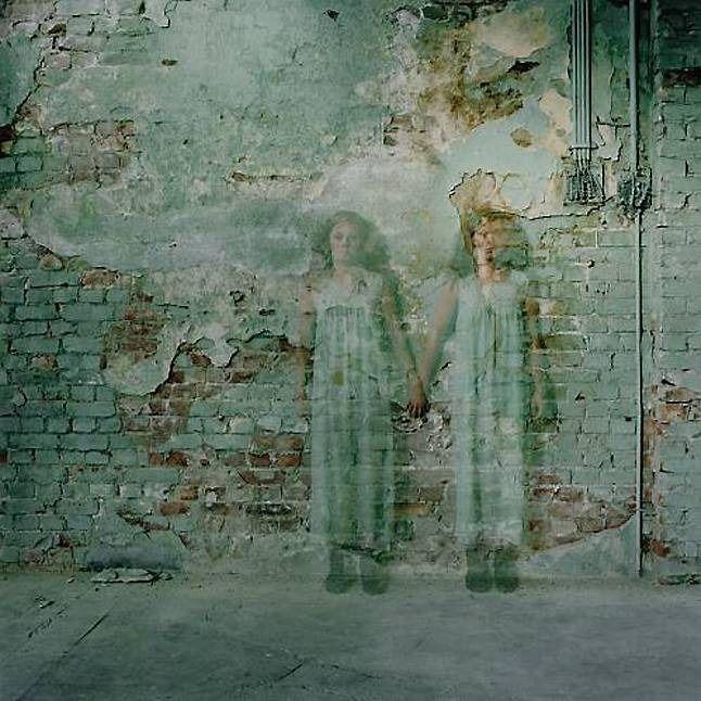 Wallflower - by Anja Niemi (1976), Norwegian