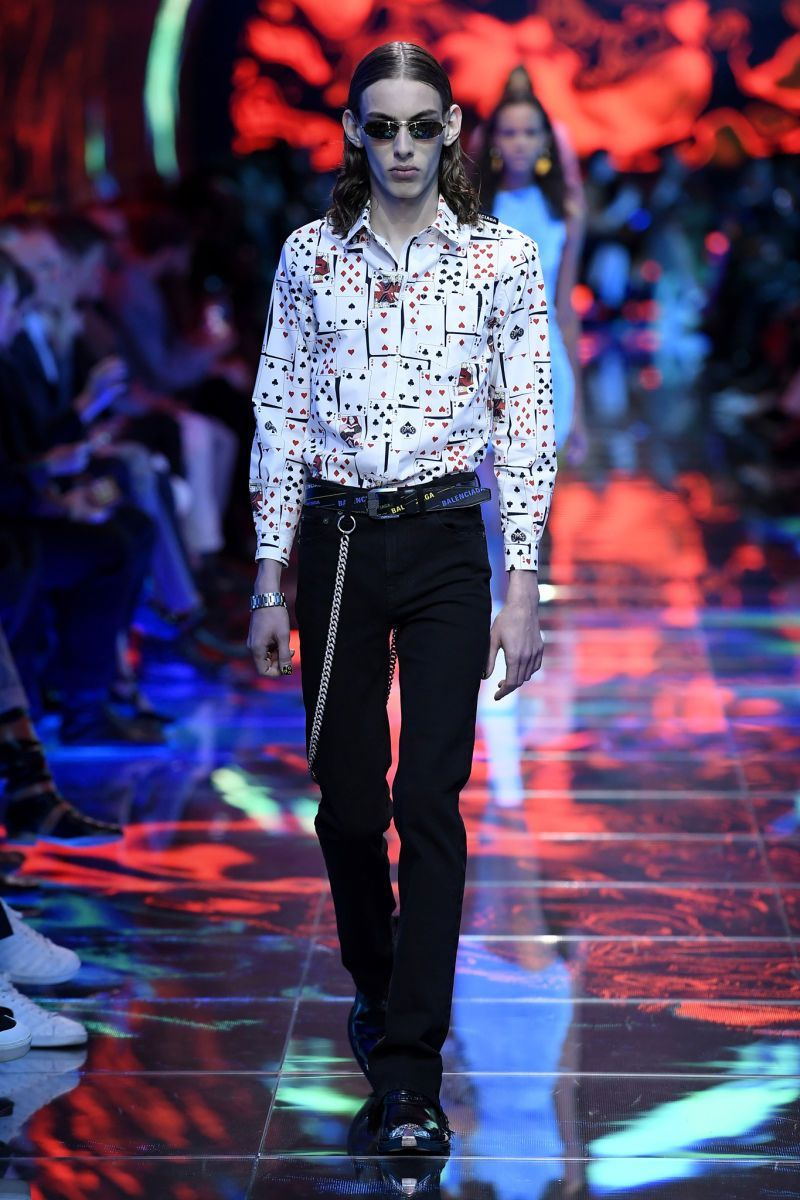 b42235676189 GIOVANNI GIANNONI / WWD (c) Fairchild Fashion Media BALENCIAGA ...
