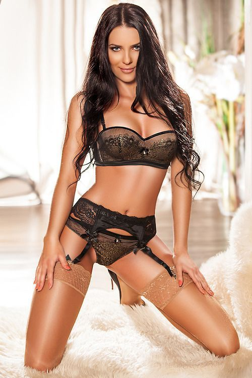 woman-in-black-lingerie-hardcore-scene
