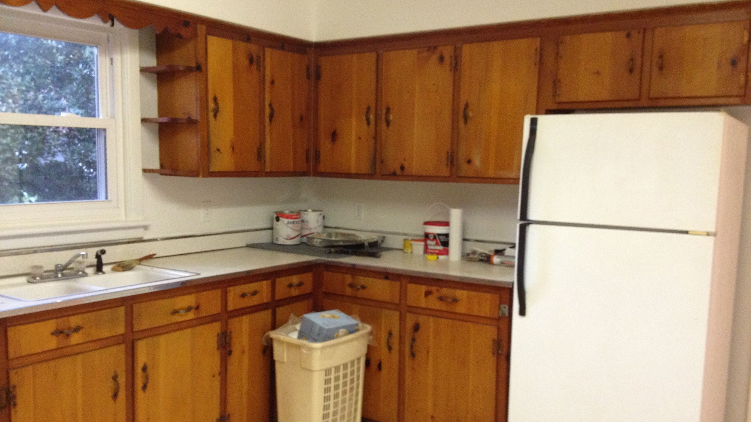 See this kitchen go from dated to dashing after a DIY ...
