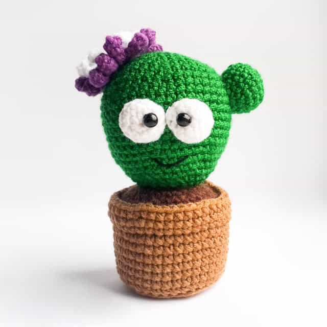 Amigurumi cactus pincushion pattern - Amigurumi Today | Cactus ...